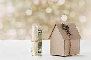 roll of money depicting benefits of a jumbo loan