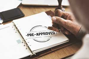 Fairfax, VA mortgage broker pre approving a mortgage for potential homebuyer