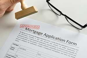 Reston, VA mortgage broker approving mortgage application
